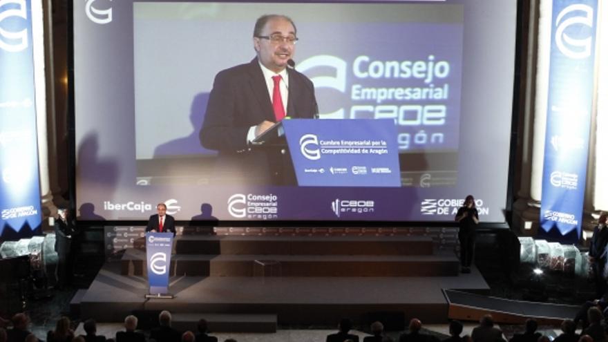 El presidente del Gobierno de Aragón se dirige a los miembros del Consejo Empresarial de CEOE.