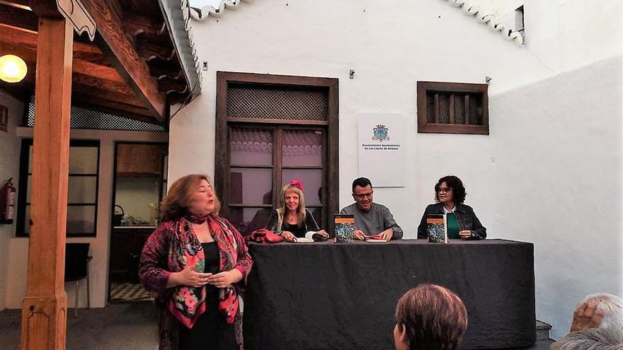 Presentación del libro 'La soledad acompañada' en Los Llanos de Aridane.