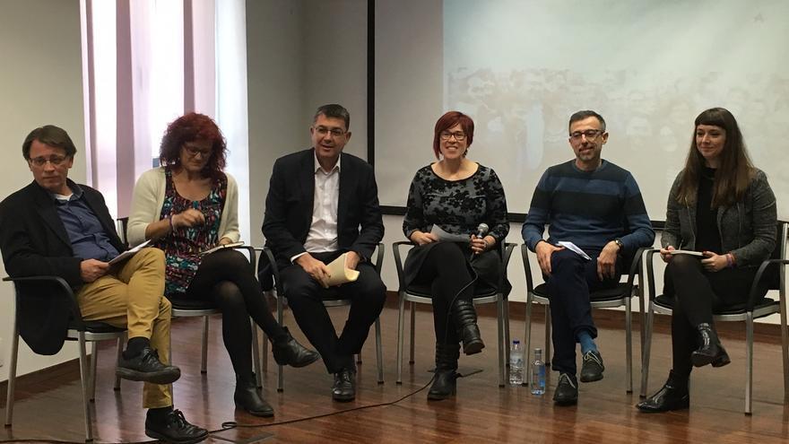 Josep Miquel Moya, Mariai Talens, Enric Morera, Àgueda Micó, Xavier Hervàs i Amparo Piquer en la presentació de la candidatura al congrés del Bloc.