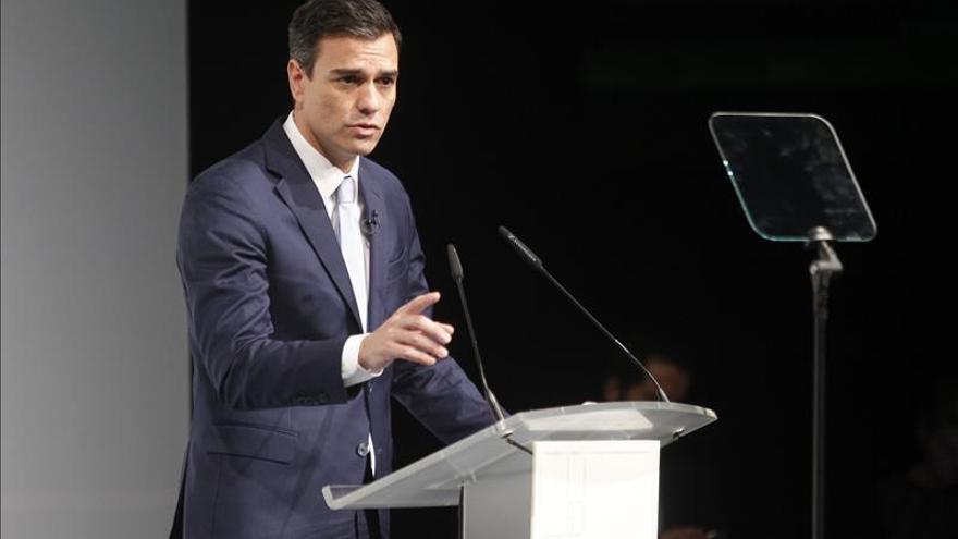 Sánchez propone que los partidos que hagan primarias reciban más financiación