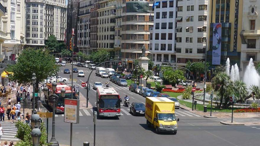 Imagen de la plaza del ayuntamiento de Valencia, tomada desde el balcón del consistorio