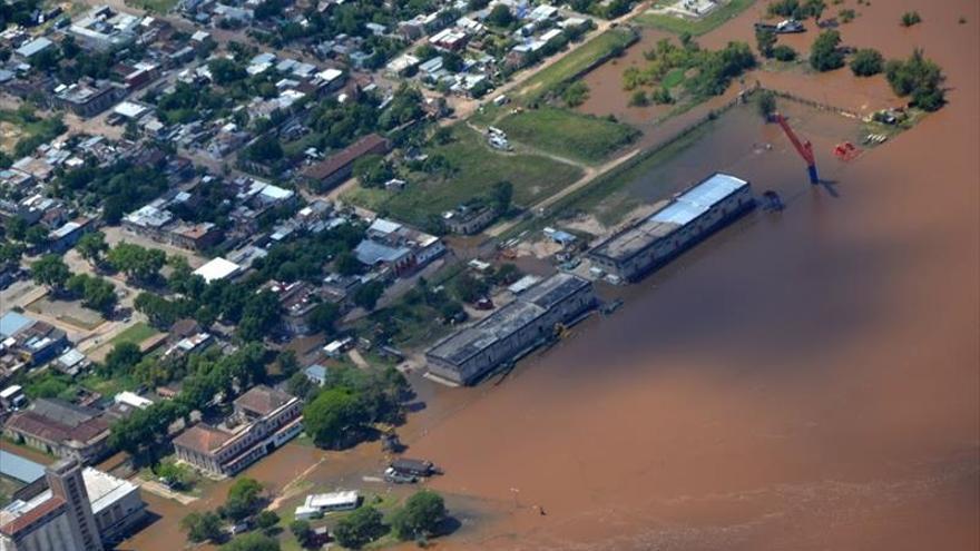 Elevan a más de 18.000 el número de desplazados en Uruguay por las inundaciones