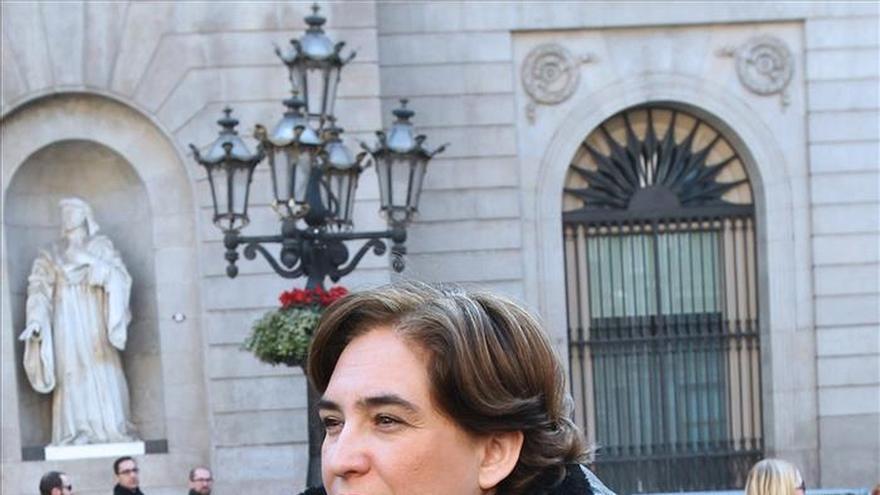 """Ada Colau dice que """"Trias ha dejado la ciudad sin rumbo democrático y sin control"""""""