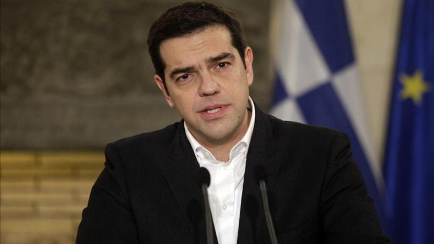 Tsipras llega a Chipre en su primera visita oficial al extranjero