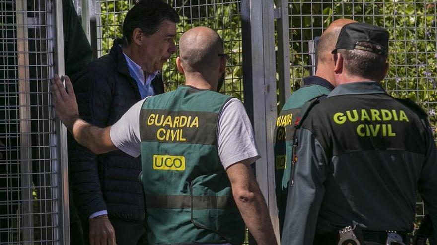 González pidió un millón a una empresa pública madrileña para sanear el PP