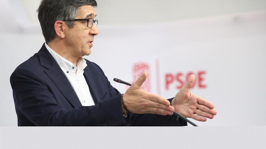 Patxi López dice que no se retira y que tras el debate recibió cientos de mensajes de apoyo