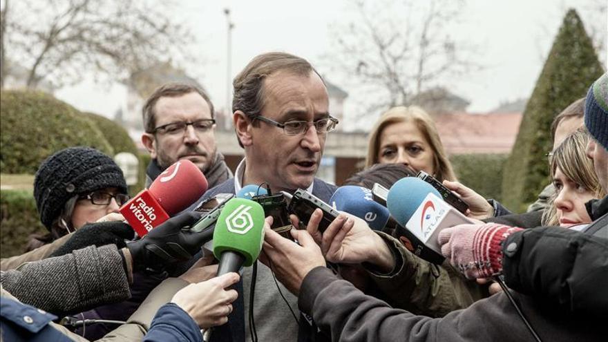 Alonso dice que las CCAA tienen margen presupuestario para dispensar fármacos hepatitis C