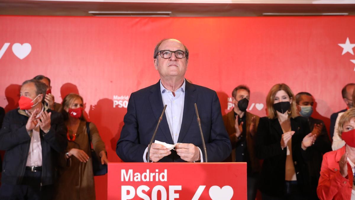El candidato del PSOE a la Presidencia de la Comunidad de Madrid, Angel Gabilondo, la noche electoral.