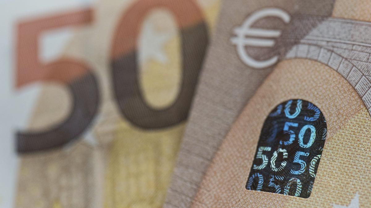Billetes de euros. EFE/Boris Roessler/Archivo