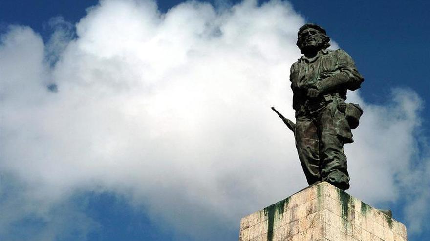 """Cuba celebra 20 años del hallazgo y el retorno de los restos mortales del """"Che"""" Guevara"""
