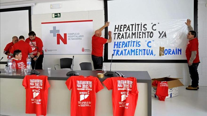 Los afectados por la hepatitis C se querellarán el viernes contra Mato y Alonso en el TS