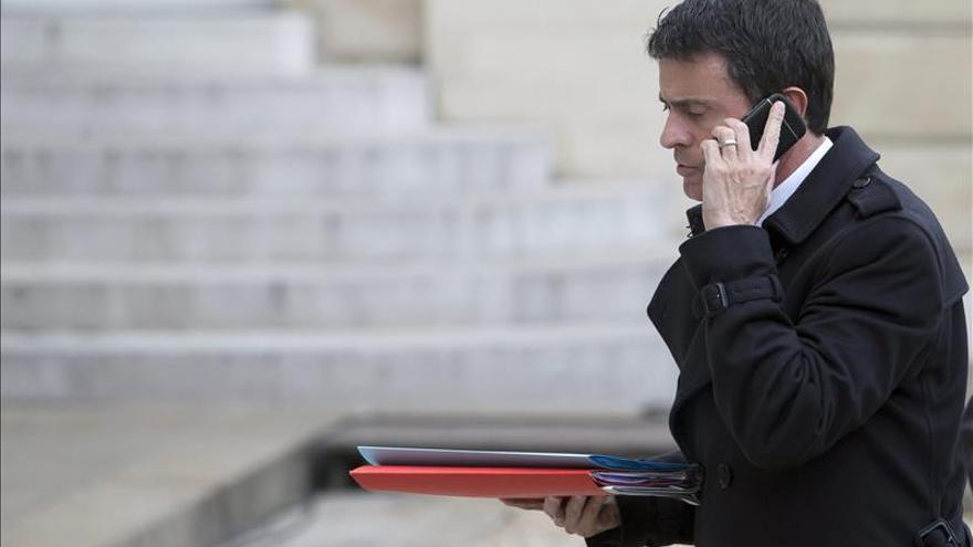 """Valls: Francia debe esperarse """"otras réplicas"""" terroristas"""