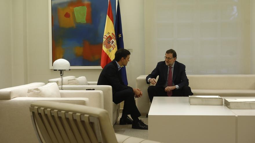 Termina la reunión entre Rajoy y Sánchez en el Palacio de la Moncloa, que ha durado dos horas  y media