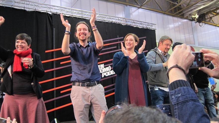 Iglesias se suma a Colau: rechaza la violencia en Gràcia pero defiende la labor que hacía el centro 'okupado'