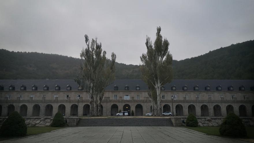 Fachada de la Hospedería de la Santa Cruz en el Valle de los Caídos