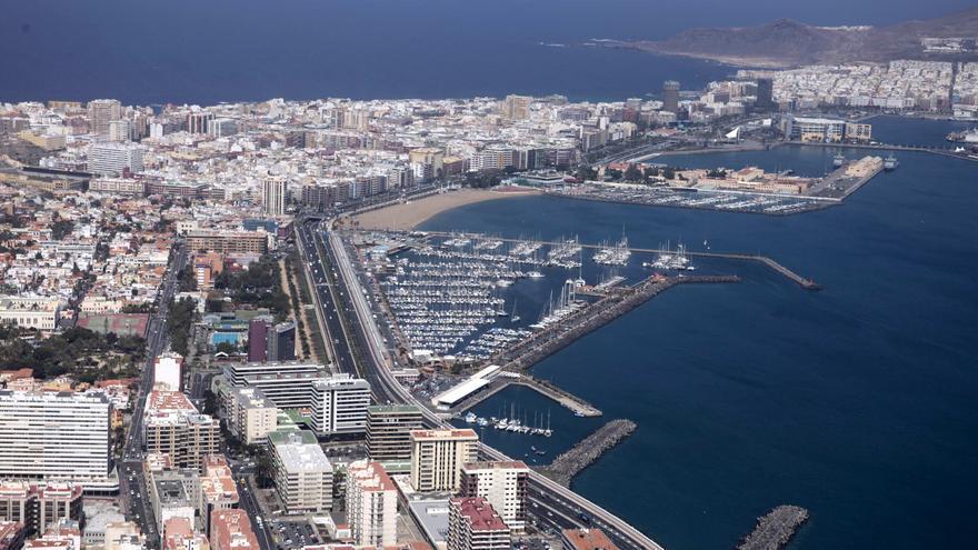 Vista aérea del Muelle Deportivo de Las Palmas de Gran Canaria.