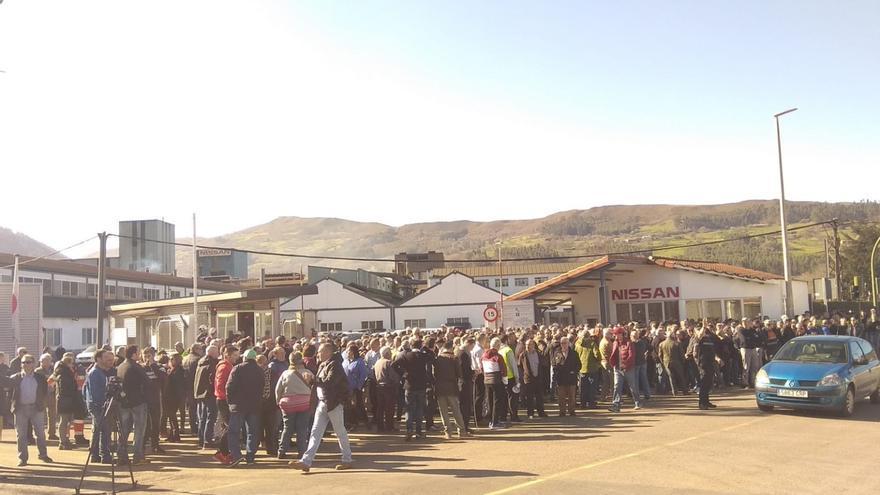 La plantilla de Los Corrales urge un plan industrial para las plantas de Nissan en España