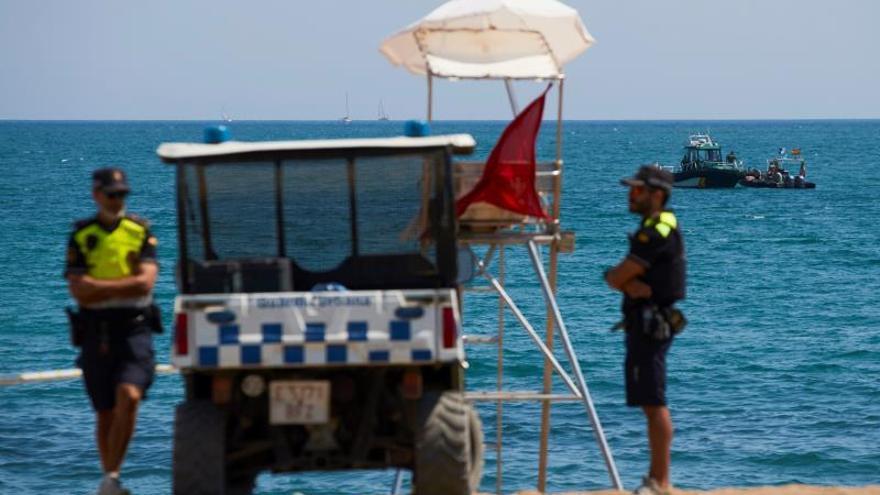La playa de Barcelona estará cerrada hasta que mañana la Armada explote la bomba