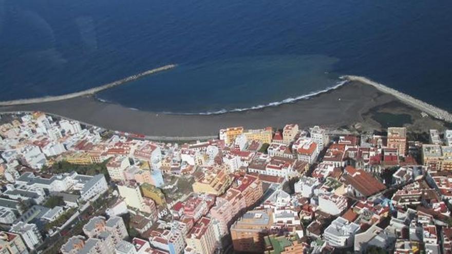 En la imagen, playa de Santa Cruz de La Palma. Foto: LUZ RODRÍGUEZ.