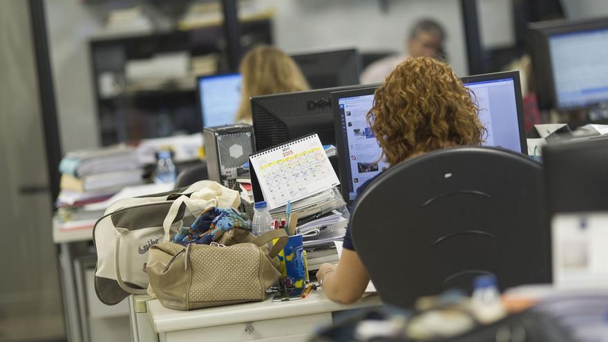 Las grandes empresas suben los salarios un 0,7% hasta abril, pese a aumentar sus ventas casi un 6%