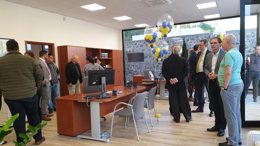 Un momento del acto inaugural de la nueva oficina de Mutua Tinerfeña.