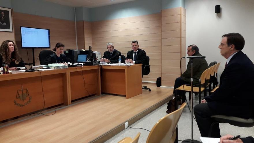 La juez inhabilita por siete años al exdirector de Cantur Diego Higuera por fraccionar contratos