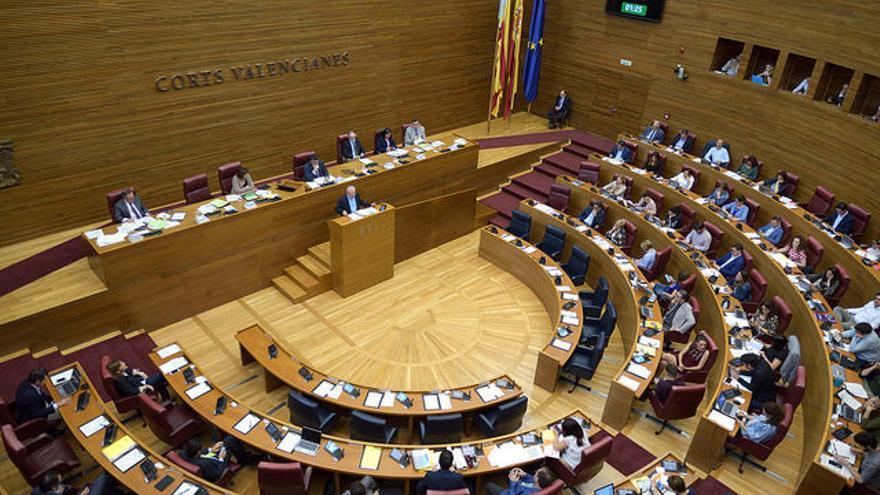 Antonio Montiel interviene en el pleno de las Corts Valencianes