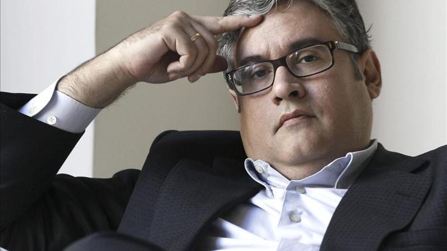 """Juan Manuel de Prada dice que estar con los lectores en las ferias es """"duro"""""""