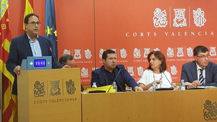 El conseller de Hacienda, Vicent Soler, comparece en la Diputación Permanente