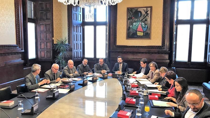 La Mesa pregunta a sus letrados si el Parlament puede pedir que Jordi Sànchez vaya al pleno