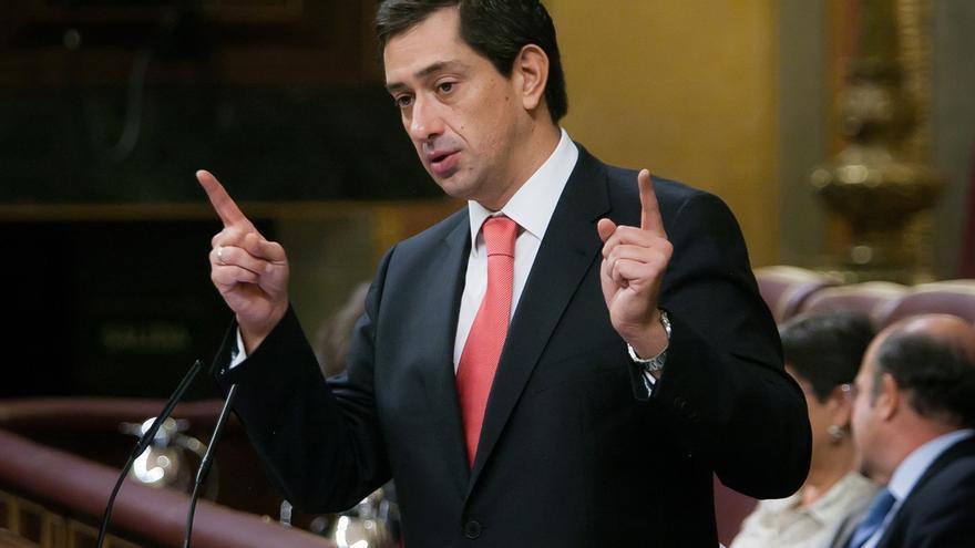"""El PP ensalza en el Congreso al diputado que dimitió por los viajes: """"Sus hijos pueden estar orgullosos"""""""