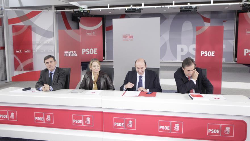 El PSOE busca renovarse con nuevas propuestas sobre la relación con el Vaticano, corrupción e impuestos
