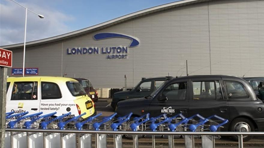Luton, a 54 kilómetros de Londres, tiene al año más de 15 millones de pasajeros.