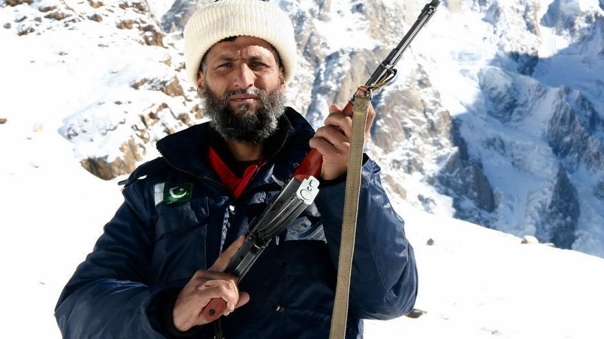 Ikramatjan Naqepa, 'Chachu', uno de los policías del campo base del Nanga Parbat.