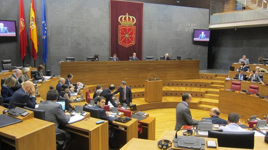 El Parlamento de Navarra rechaza la reforma fiscal y se la devuelve al Gobierno foral