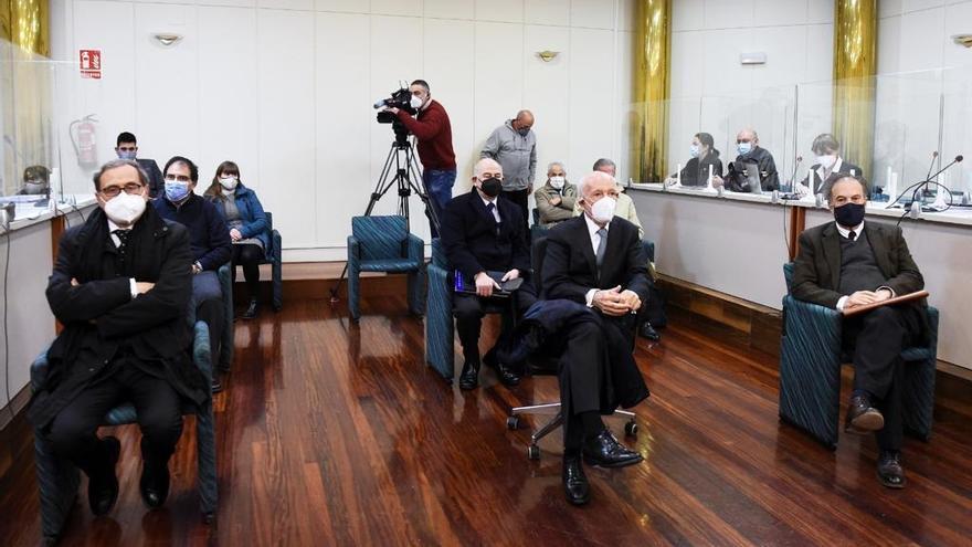 Archivo - Suspendido el juicio de Sniace por contacto del abogado de Blas Mezquita con un positivo Covid