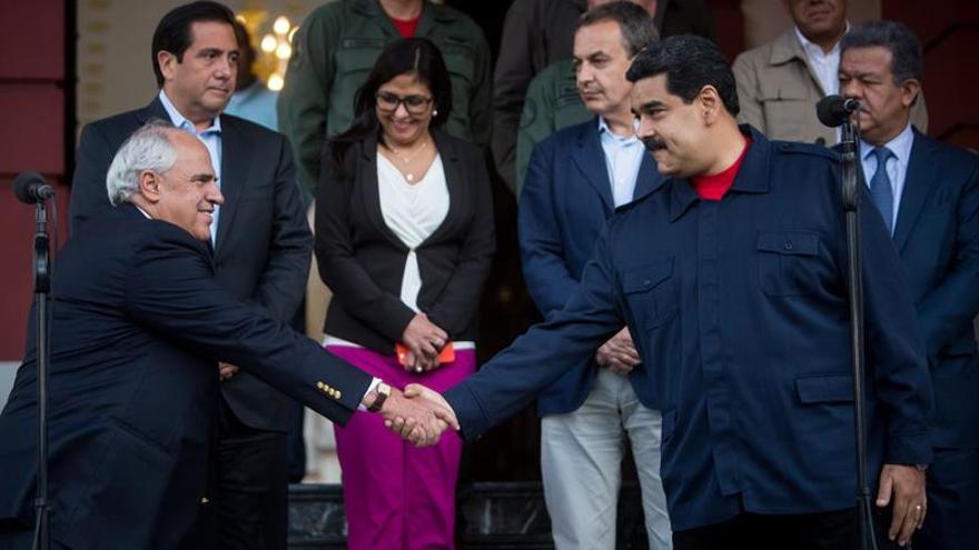 Zapatero medió para que Supremo no frene referendo venezolano, dice opositor