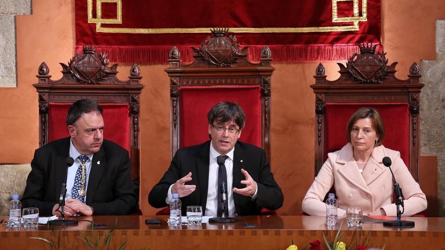 """Puigdemont asegura que Cataluña """"no dejará de persistir"""""""