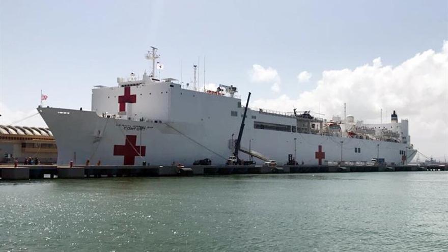 A falta de cruceros, San Juan de Puerto Rico recibe a un buque hospital de EE.UU.