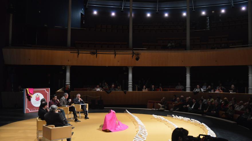 Aspecto del Teatro Circo en una mesa redonda del Congreso Internacional de Tauromaquia / Foto: Javier Robla