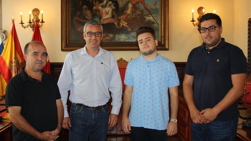 Recibimiento a Daniel Guerra en el Ayuntamiento.