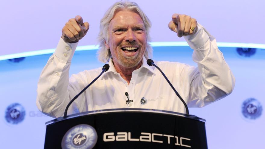 Richard Branson se adelanta a Jeff Bezos en su plan de viajar al espacio