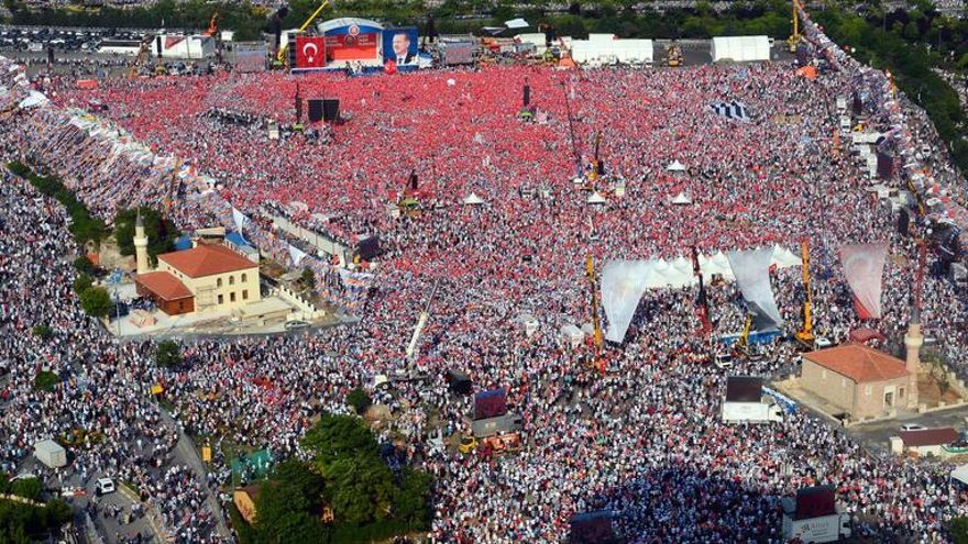 Resultado de imagen de revuelta de la plaza de Taksim