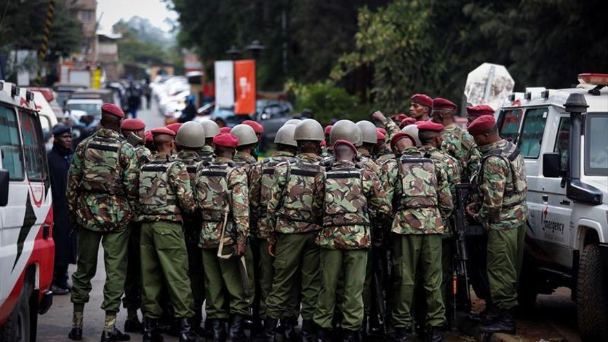 El presidente de Kenia confirma 14 muertos en el ataque al hotel de Nairobi