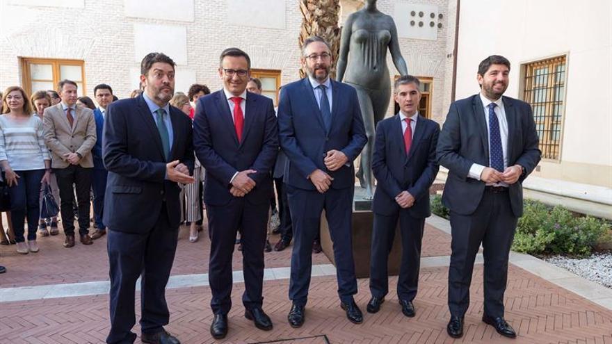 PSOE, PP y CS firman en Murcia un Pacto Regional del Agua que darán a Sánchez