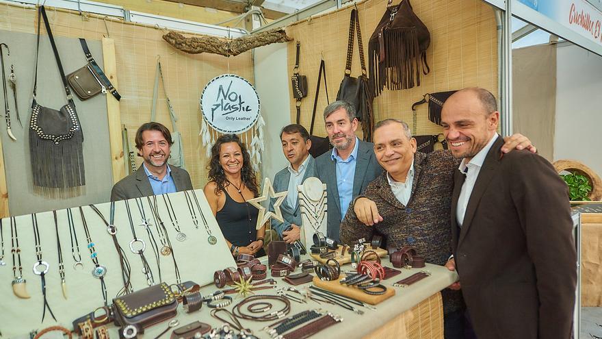 Visita realizada por Fernando Clavijo, Carlos Alonso y José Manuel Bermúdez, este miércoles en la plaza del Príncipe