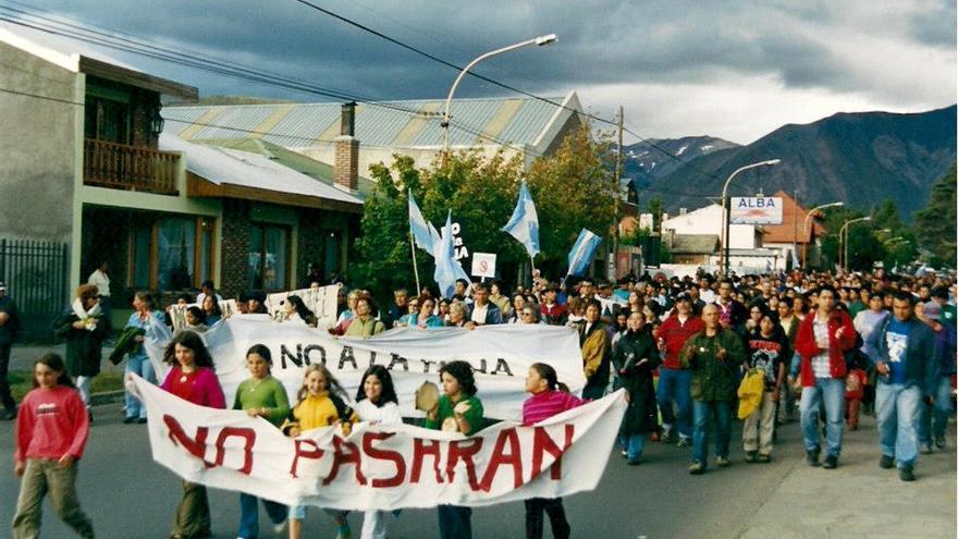 Tras la experiencia de Esquel, el movimiento contra la megaminería metálica a cielo abierto ha conseguido prohibir esta actividad en las provincias de Chubut, Mendoza, San Luis, Tucumán, La Pampa, Córdoba y Tierra del Fuego. FOTO: Asamblea No a la Mina.