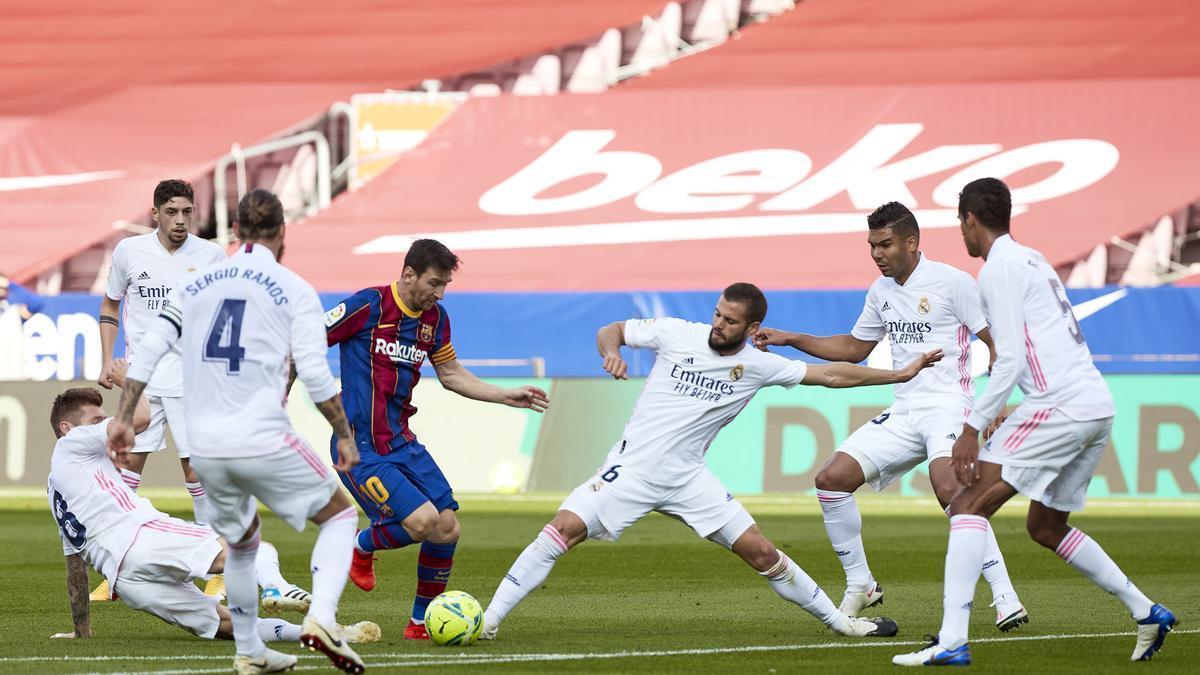 Partido entre el Real Madrid y el Barcelona, los dos únicos equipos que mantienen su apuesta por la Superliga, el pasado octubre.