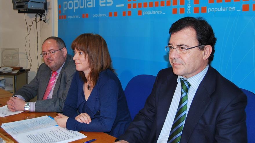 Francisco Molinero, diputado nacional del PP, en primer plano / Foto: PP Hellín