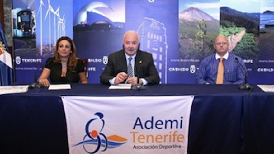 Imagen de la presentación del acto. (Acfi Press)